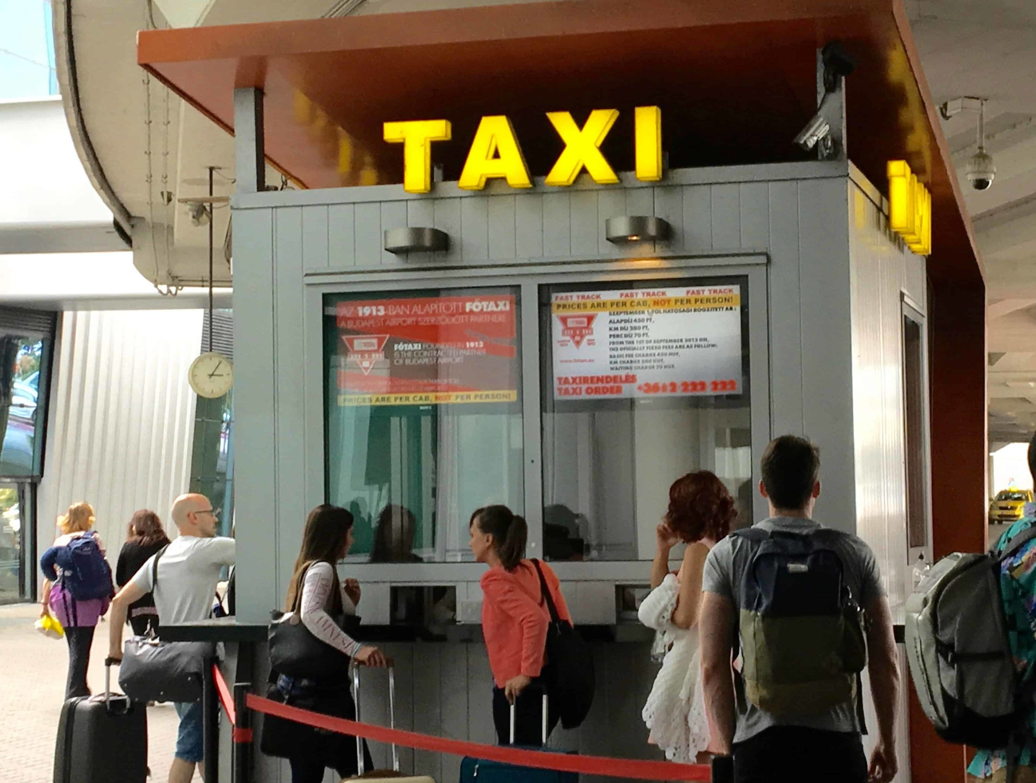 taxi at budapest airport hungary - budapest travel tips