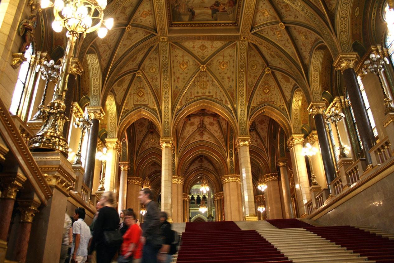 budapest parliament interior