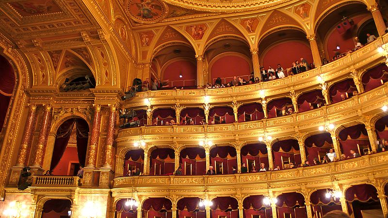 opera house budapest interioir