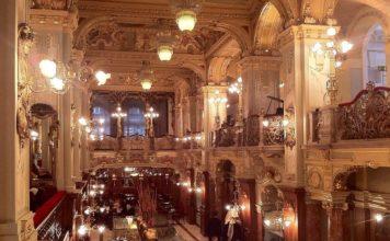 interior New York Café