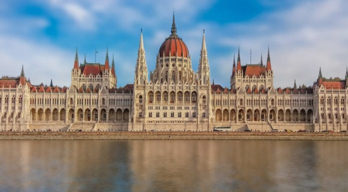 budapest_must_see_parliament